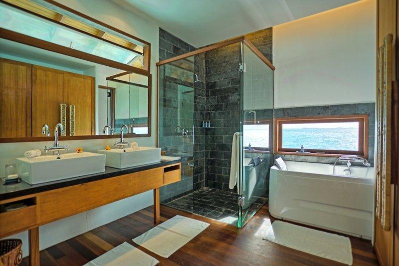Medhufushi Island Resort, Maldivi 4