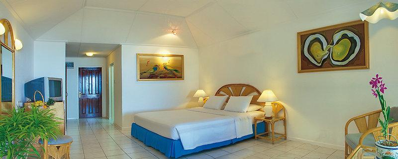 Holiday Island Resort and Spa, Maldivi 5