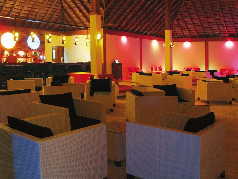 Vilamendhoo Island Resort and Spa, Maldivi 3