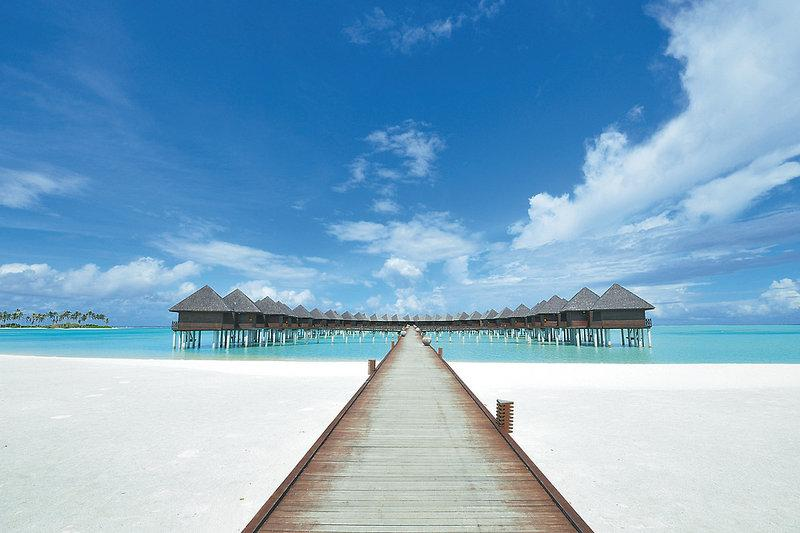 Olhuveli Beach and Spa, Maldivi 4