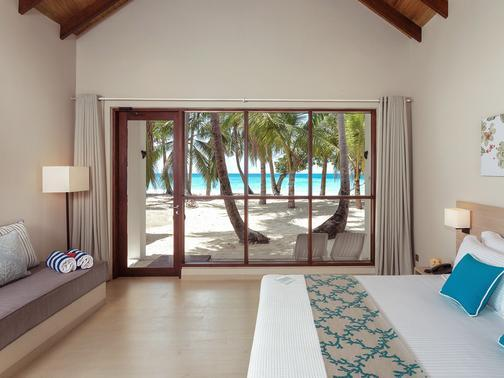 Malahini Kuda Bandos Resort, Maldivi 3