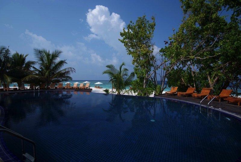 Adaaran Prestige Vadoo, Maldivi 2