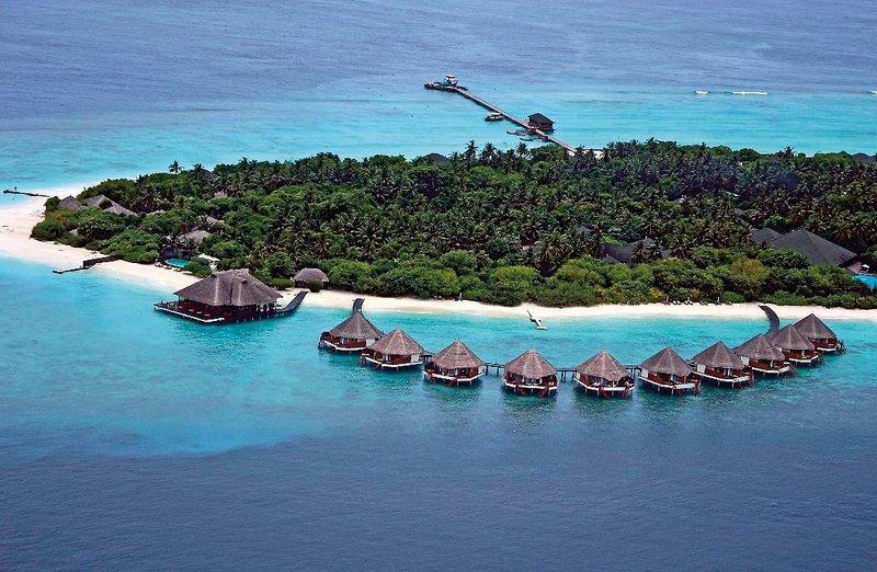 Adaaran Prestige Water Villas, Maldivi 1